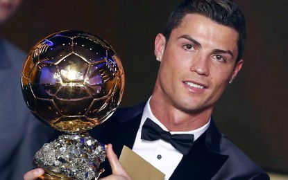 Ronaldo Raih Ballon d'Or