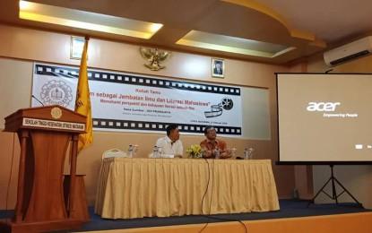 UKM Phoster STIKES Mataram